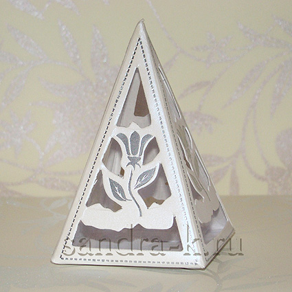 Бонбоньерка-пирамида Тюльпан B018w